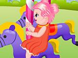 Забавная малышка на аттракционе (Fun Baby In Theme Park)