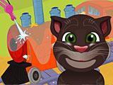 Говорящий кот Том моет локомотив