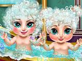 Холодное сердце: малышки Анна и Эльза в ванной