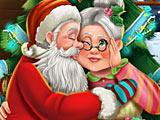 Дед Мороз целует бабушку