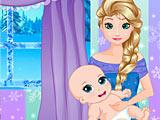Холодное сердце: Эльза ухаживает за малышом