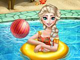 Холодное сердце: Эльза плавает в бассейне