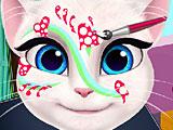 Анжела рисует на лице