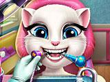 Анжела лечит зубы