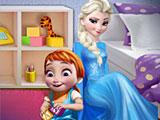 Эльза играет с малышкой Анной