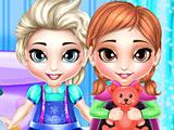 Эльза и Анна Холодное сердце стирают игрушки