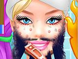 Супер Барби брить бороду
