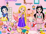 Принцессы Диснея убирают игрушки
