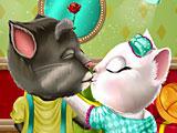Том и Анжела: поцелуи в День святого Валентина