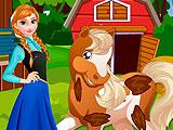 Холодное сердце: Анна ухаживает за лошадью