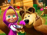 Маша и Медведь: уборка вокруг дома