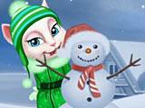 Том и Анжела играют в снежки