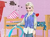 Холодное сердце: Эльза убирает комнату в общежитии