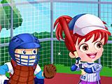 Малышка Хейзел играет в бейсбол