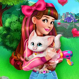 Виктория подобрала котенка