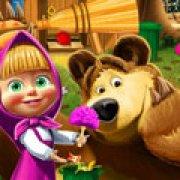 Игра Игра Маша и Медведь: уборка вокруг дома