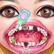 Игра Игра Девочки лечат зубы