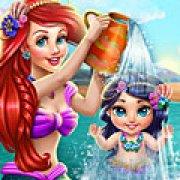 Игра Игра Ариэль купает малыша